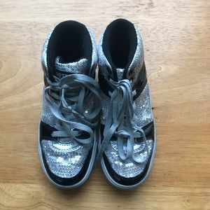 Gotta flurt sequin shoes size 2